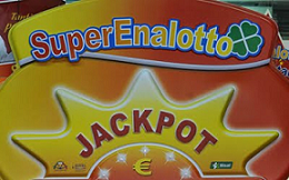 Superenalotto with SuperStar number produce biggest prizes in italian lotto lottery game.